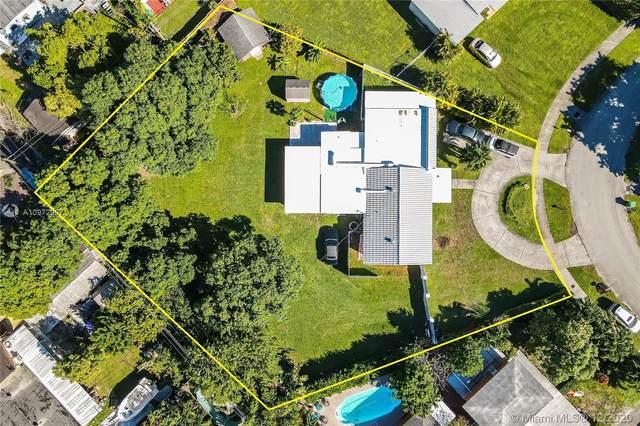 10035 SW 49th St, Miami, FL 33165 (MLS #A10972987) :: Berkshire Hathaway HomeServices EWM Realty