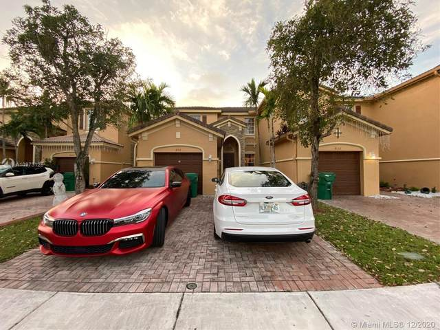 836 SW 154th Ct, Miami, FL 33194 (MLS #A10973126) :: Albert Garcia Team