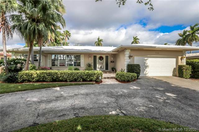 1141 N Northlake Dr, Hollywood, FL 33019 (MLS #A10974128) :: Albert Garcia Team