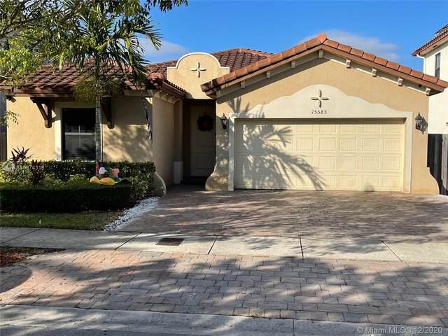 15585 SW 176TH TERRACE, Unincorporated Dade County, FL 33187 (MLS #A10974318) :: Miami Villa Group