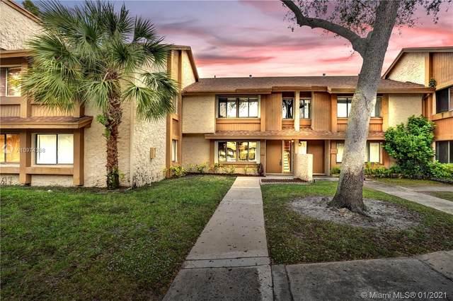 242 Wimbledon Lake Dr #242, Plantation, FL 33324 (MLS #A10974398) :: Berkshire Hathaway HomeServices EWM Realty