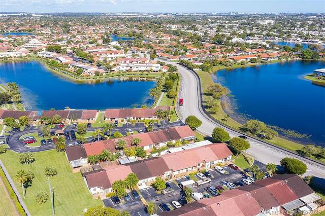13409 SW 17th Terr Cir N, Miami, FL 33175 (MLS #A10974953) :: THE BANNON GROUP at RE/MAX CONSULTANTS REALTY I