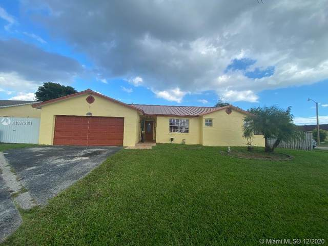25863 SW 123rd Pl, Homestead, FL 33032 (MLS #A10975101) :: THE BANNON GROUP at RE/MAX CONSULTANTS REALTY I