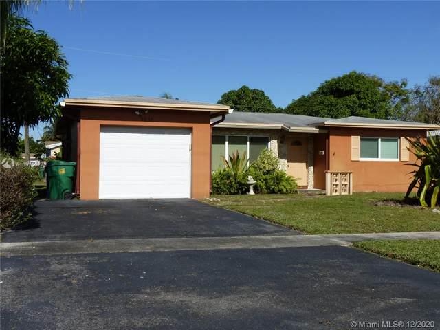 5631 NW 13th St, Lauderhill, FL 33313 (MLS #A10975527) :: Carole Smith Real Estate Team