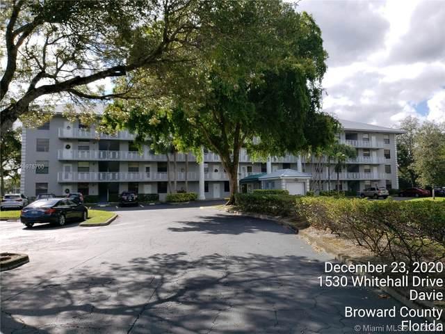 1530 Whitehall Dr #103, Davie, FL 33324 (MLS #A10975700) :: Albert Garcia Team