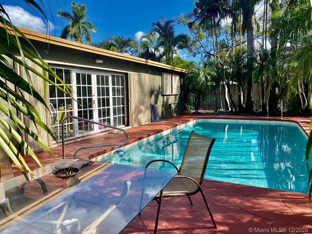 1244 Garfield St, Hollywood, FL 33019 (MLS #A10976596) :: Carole Smith Real Estate Team