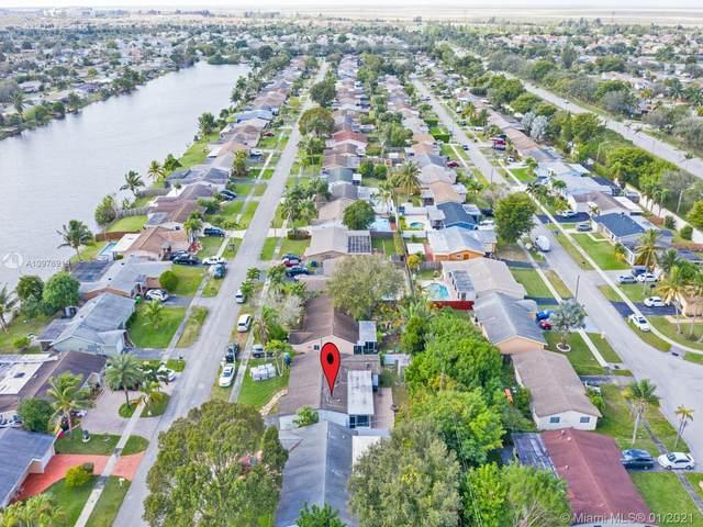11621 NW 32nd Mnr, Sunrise, FL 33323 (MLS #A10976919) :: Berkshire Hathaway HomeServices EWM Realty