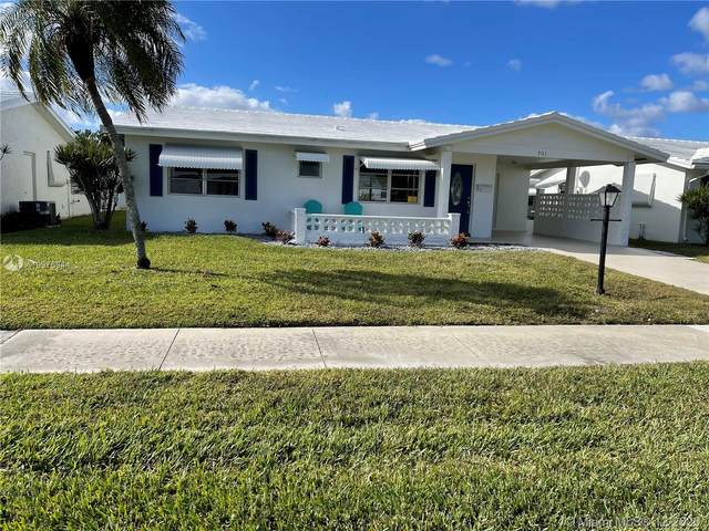 701 SW 18th St, Boynton Beach, FL 33426 (MLS #A10976944) :: The Paiz Group