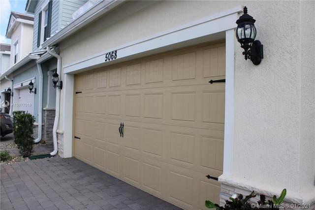 5068 Greenway Dr, Hollywood, FL 33021 (MLS #A10977019) :: Dalton Wade Real Estate Group