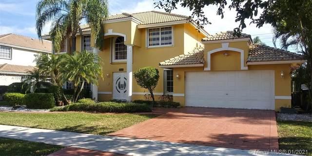 930 Greenbriar Ave, Davie, FL 33325 (MLS #A10977871) :: The Riley Smith Group