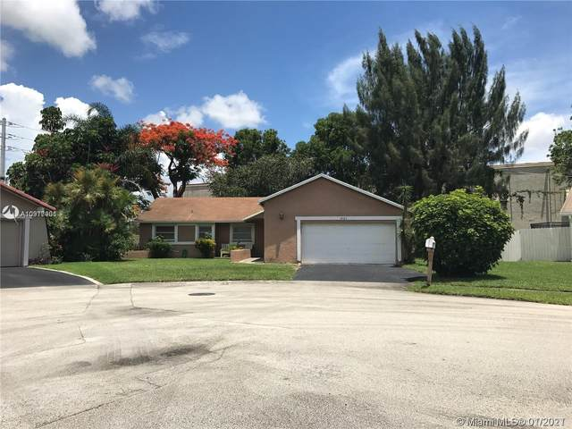 8721 NW 48 Ct, Lauderhill, FL 33351 (MLS #A10977901) :: THE BANNON GROUP at RE/MAX CONSULTANTS REALTY I