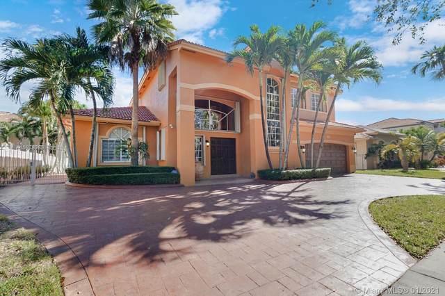 16905 NW 78th Ave, Miami Lakes, FL 33016 (MLS #A10978296) :: Rivas Vargas Group