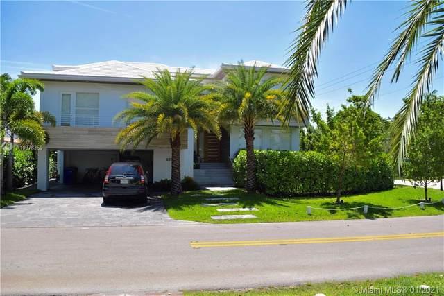 691 Hampton Ln, Key Biscayne, FL 33149 (MLS #A10978365) :: Team Citron