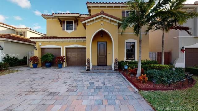 15420 SW 173rd St, Miami, FL 33187 (MLS #A10978408) :: Miami Villa Group