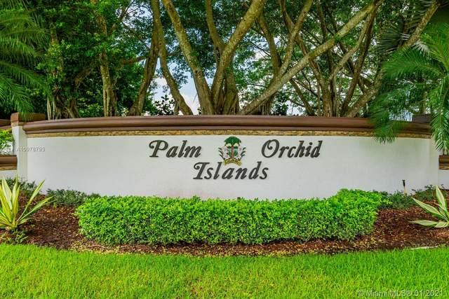 395 Sabal Way, Weston, FL 33326 (MLS #A10978793) :: Laurie Finkelstein Reader Team
