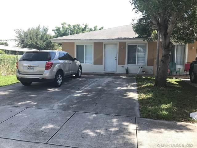 10450 SW 172nd St, Miami, FL 33157 (MLS #A10978916) :: Miami Villa Group