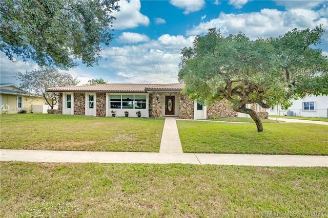 6760 SW 20th St, Plantation, FL 33317 (MLS #A10979058) :: Berkshire Hathaway HomeServices EWM Realty