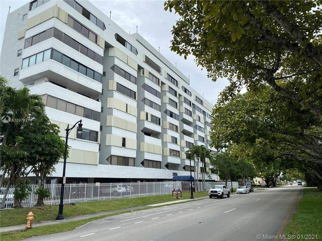 2950 SW 3rd Ave 8B, Miami, FL 33129 (MLS #A10979214) :: Patty Accorto Team
