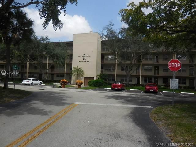 251 SW 132nd Way 413H, Pembroke Pines, FL 33027 (MLS #A10979522) :: Albert Garcia Team