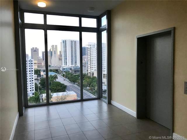 36 NW 6th Ave Ts3, Miami, FL 33128 (MLS #A10980011) :: Patty Accorto Team