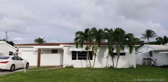 1115 N Golf Dr, Hollywood, FL 33021 (MLS #A10980092) :: Carole Smith Real Estate Team