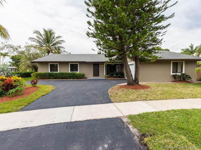 16560 Royal Poinciana Dr, Weston, FL 33326 (MLS #A10980332) :: Search Broward Real Estate Team