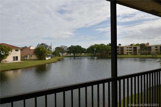 374 W Lakeview Dr #203, Weston, FL 33326 (MLS #A10980585) :: The Riley Smith Group