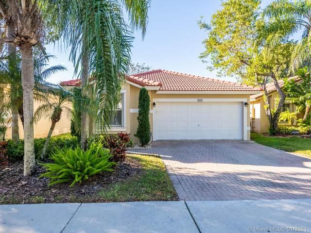4119 Sapphire Bnd, Weston, FL 33331 (MLS #A10981017) :: Berkshire Hathaway HomeServices EWM Realty
