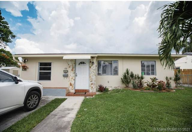 1935 Arthur St, Hollywood, FL 33020 (MLS #A10981241) :: Berkshire Hathaway HomeServices EWM Realty