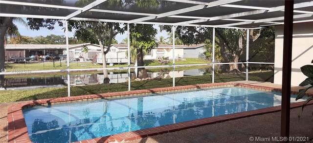 8441 NW 21st St, Sunrise, FL 33322 (MLS #A10981252) :: Berkshire Hathaway HomeServices EWM Realty
