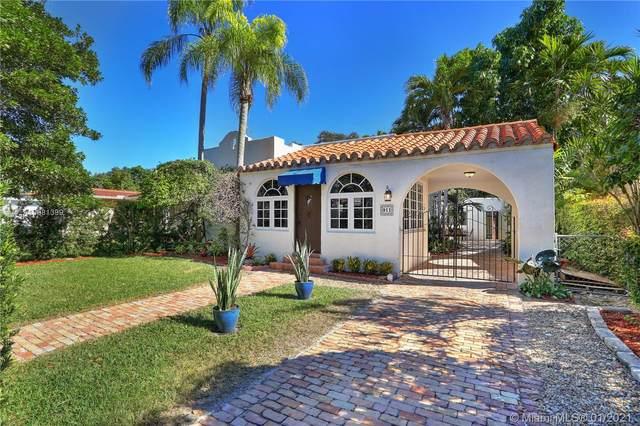 911 Lisbon St, Coral Gables, FL 33134 (MLS #A10981399) :: Carole Smith Real Estate Team