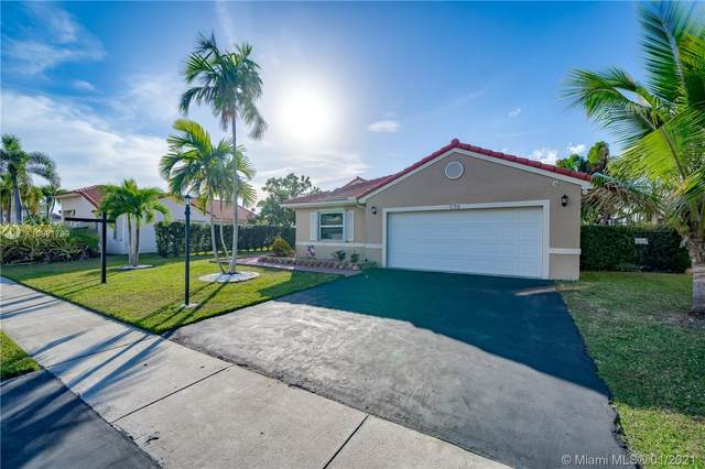 320 NW 187th Ave, Pembroke Pines, FL 33029 (MLS #A10981799) :: The Riley Smith Group