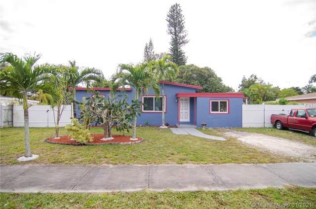 10 Miami Gardens Rd, West Park, FL 33023 (MLS #A10981896) :: Miami Villa Group