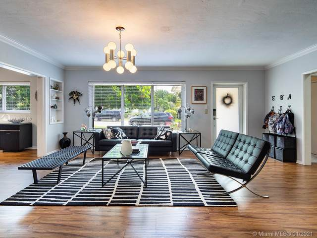 10658 NE 11th Ave, Miami Shores, FL 33138 (MLS #A10982160) :: The Jack Coden Group