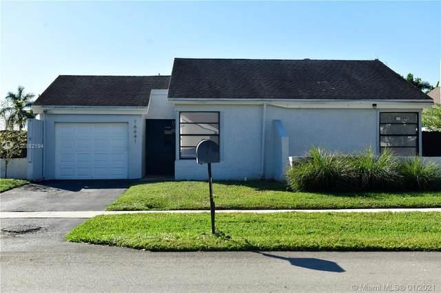 16641 SW 5th Ct, Weston, FL 33326 (MLS #A10982194) :: The Riley Smith Group