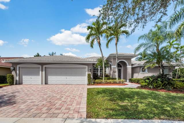 244 Landings Blvd, Weston, FL 33327 (MLS #A10982467) :: Albert Garcia Team