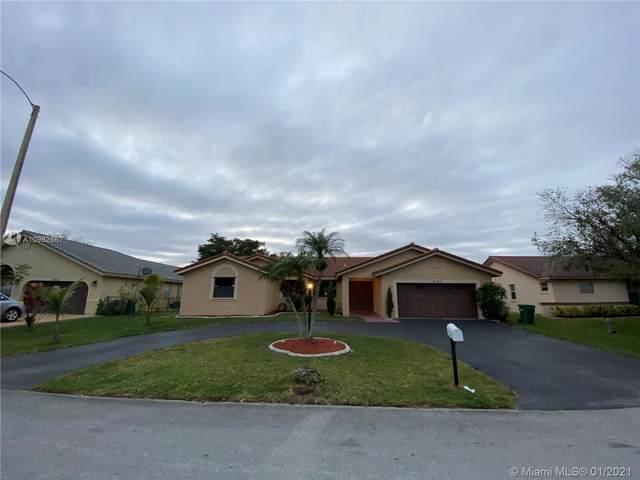 6351 W Sedgewyck Cir W, Davie, FL 33331 (MLS #A10982667) :: Berkshire Hathaway HomeServices EWM Realty