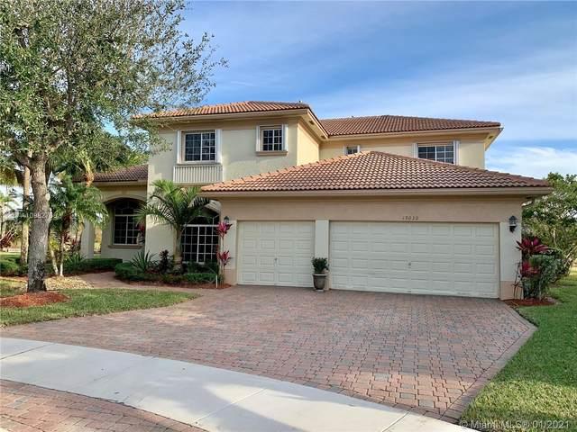19030 SW 65th St, Pembroke Pines, FL 33332 (MLS #A10982756) :: Berkshire Hathaway HomeServices EWM Realty