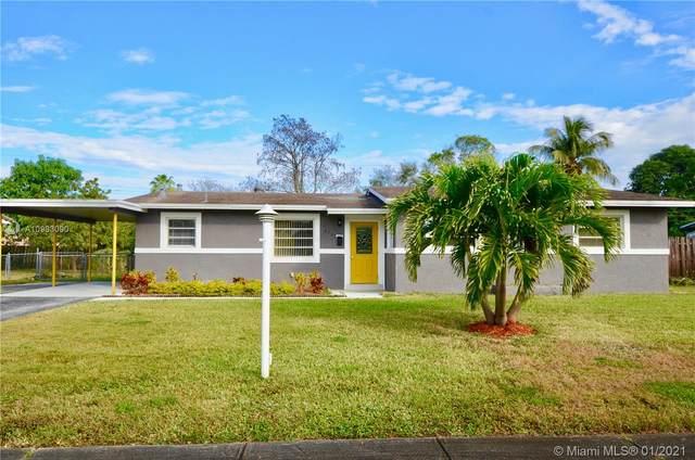 4785 NW 3rd St, Plantation, FL 33317 (MLS #A10983090) :: Albert Garcia Team