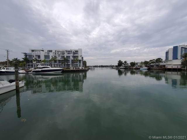 7207 Bay Dr #25, Miami Beach, FL 33141 (MLS #A10983191) :: Team Citron