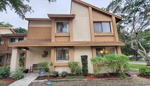 40 N Wimbledon Lake Dr #216, Plantation, FL 33324 (MLS #A10983267) :: Berkshire Hathaway HomeServices EWM Realty