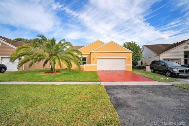 1121 SW 87th Avenue, Pembroke Pines, FL 33025 (MLS #A10983324) :: The Riley Smith Group