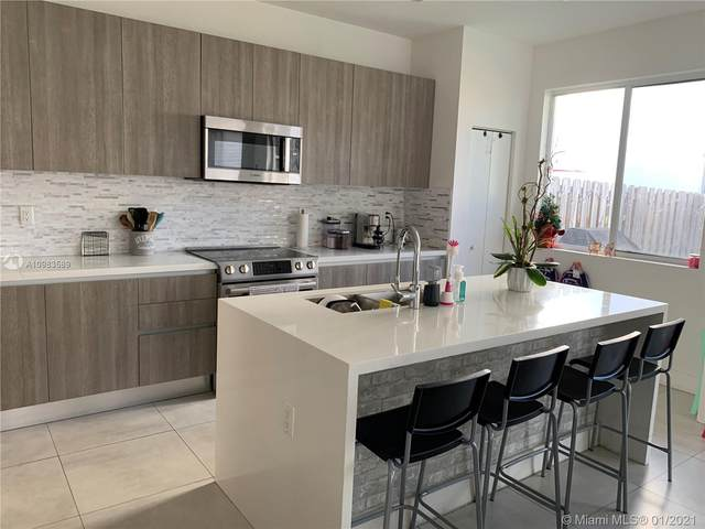 7113 NW 103rd Path #0, Doral, FL 33178 (MLS #A10983589) :: Carole Smith Real Estate Team