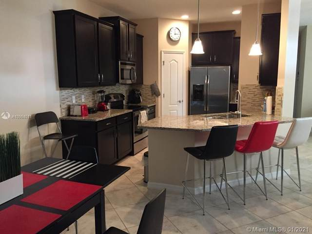 7001 interbay Blvd #102, Tampa, FL 33616 (MLS #A10984011) :: Dalton Wade Real Estate Group
