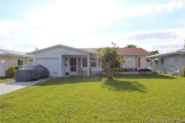 5813 NW 70th Ave, Tamarac, FL 33321 (MLS #A10984292) :: Dalton Wade Real Estate Group