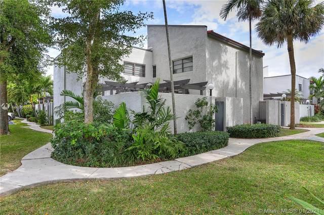 4724 SW 67 AV E12, Miami, FL 33155 (#A10984488) :: Dalton Wade