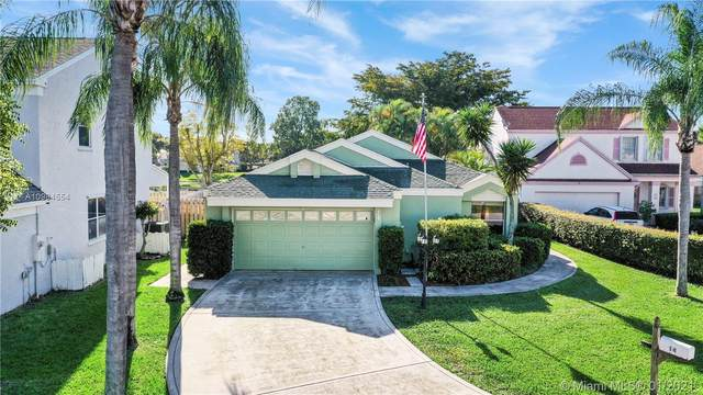 14 Swallow Dr, Boynton Beach, FL 33436 (MLS #A10984554) :: THE BANNON GROUP at RE/MAX CONSULTANTS REALTY I