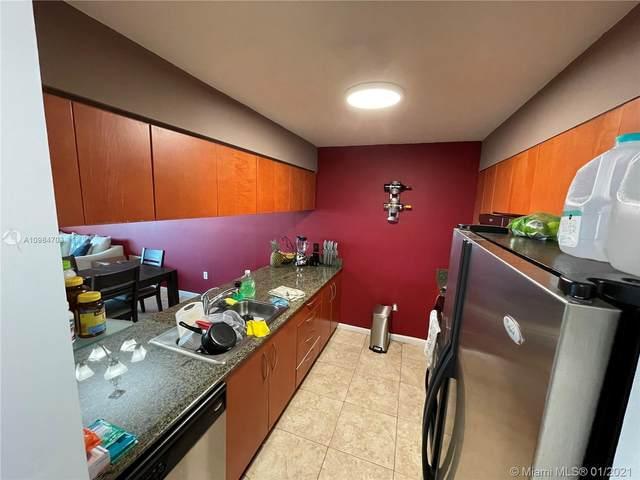 1200 Brickell Bay Dr #3820, Miami, FL 33131 (MLS #A10984703) :: Carole Smith Real Estate Team