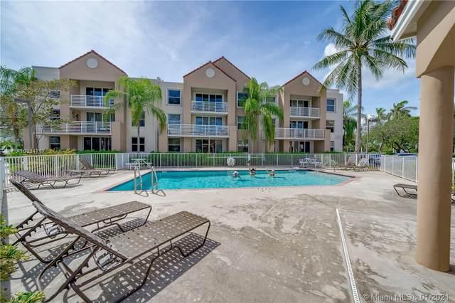 2711 Ocean Club Blvd #207, Hollywood, FL 33019 (MLS #A10984717) :: Carole Smith Real Estate Team