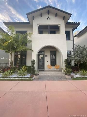 8225 Central Park Blvd, Doral, FL 33166 (MLS #A10984769) :: ONE Sotheby's International Realty